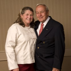 Mary Bea Porter King and Arnold Palmer at the 2009 MGWA National Awards Dinner